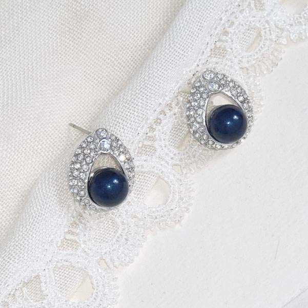 Blue pearl earrings