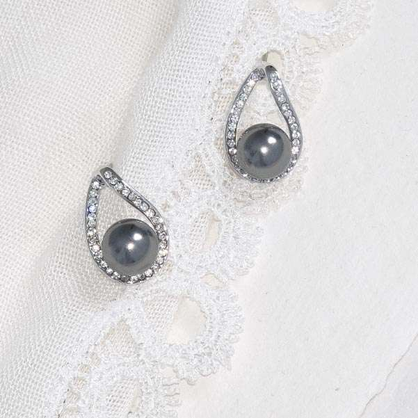 Steel pearl earrings