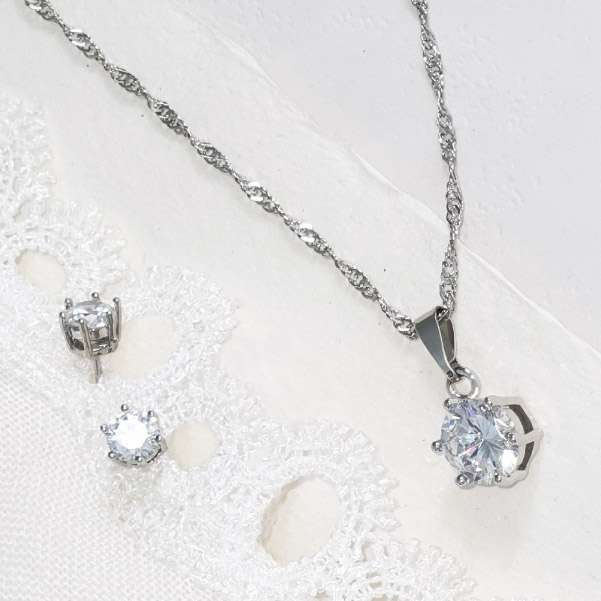 Weddings accessories