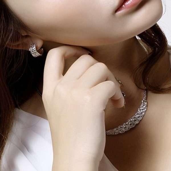Bracelet and necklace set