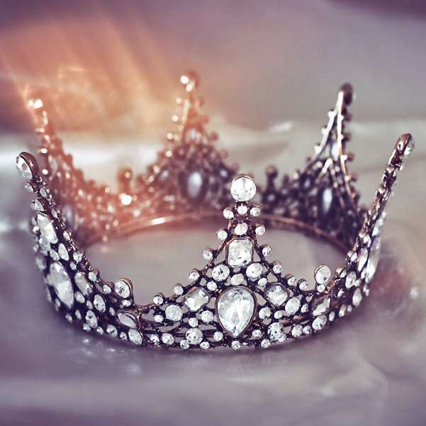 Romantic wedding crown