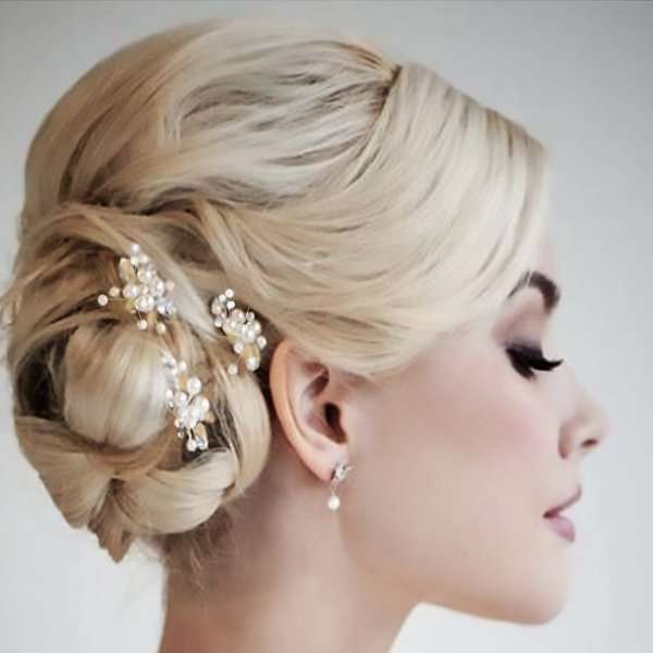 Pearl hairpin in gold