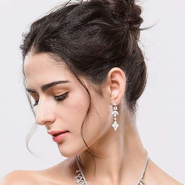 Bridal earring, wedding party accessories