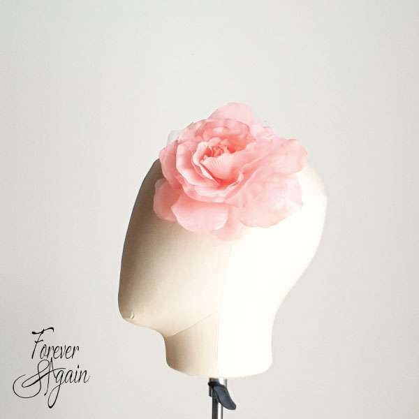 Coral flower hair pin