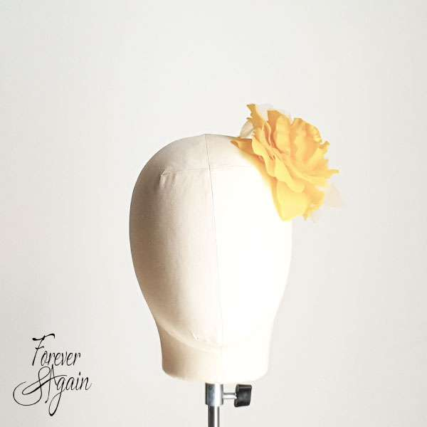 Yellow cocktail hair accessories