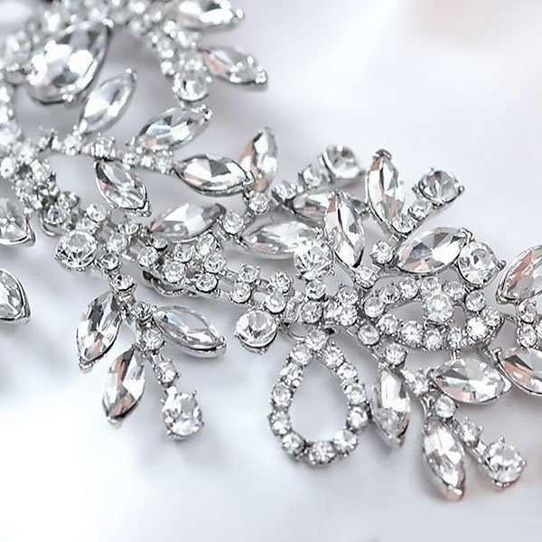 Crystal drop head piece