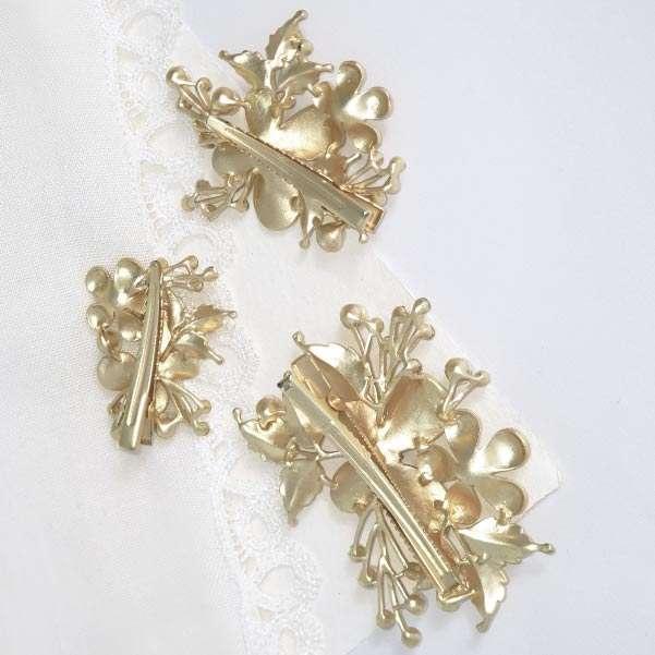 Golden hair clips