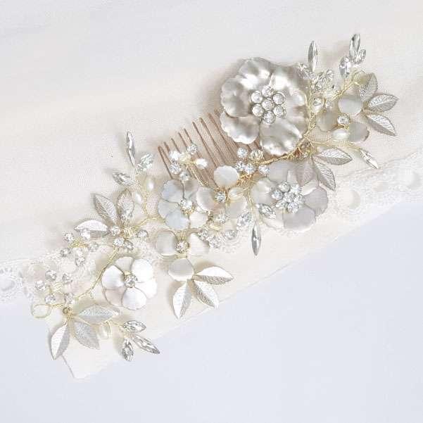 Silver foil haircomb