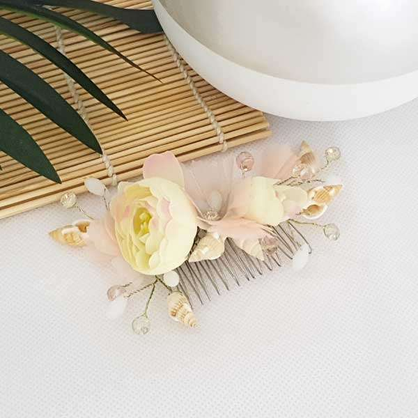 Seashell haircomb