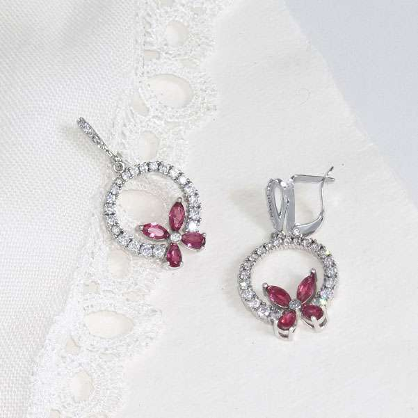 Vivid rose earrings