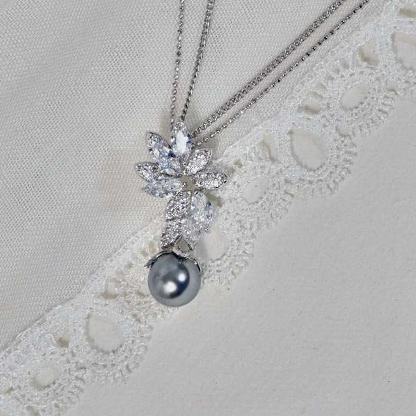 Bridesmaid nacklace