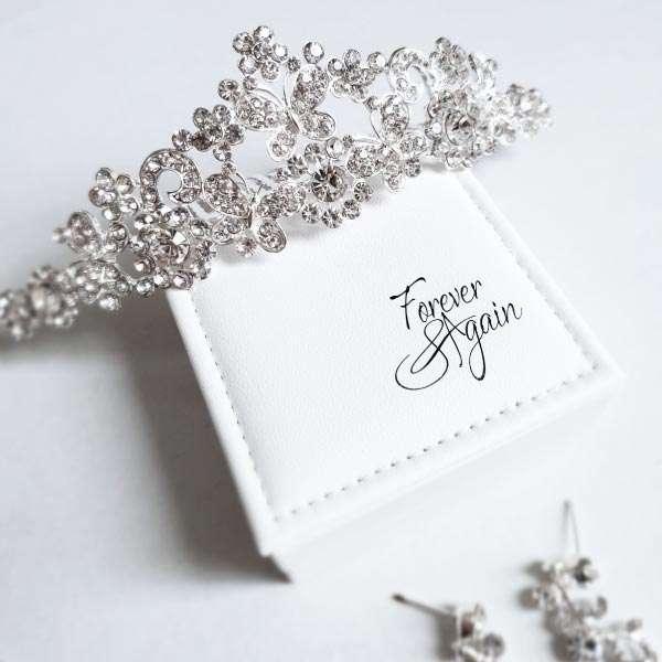 Tiara and matching jewellery set