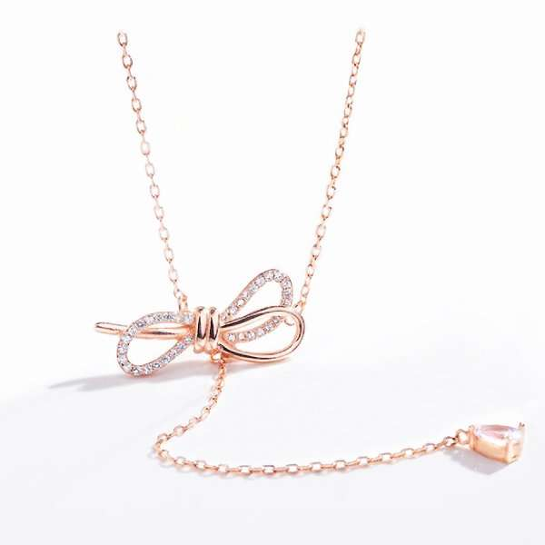 Rose gold bow necklace