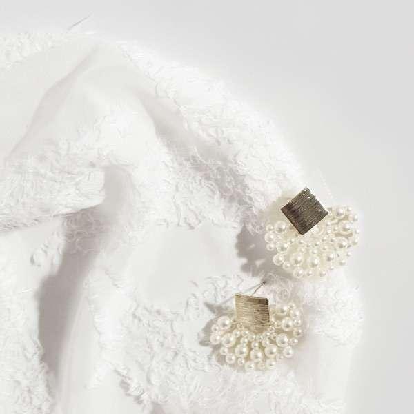 Light pearl earrings