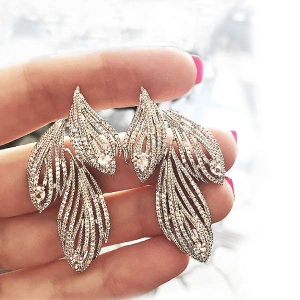 Flowing crystal earrings