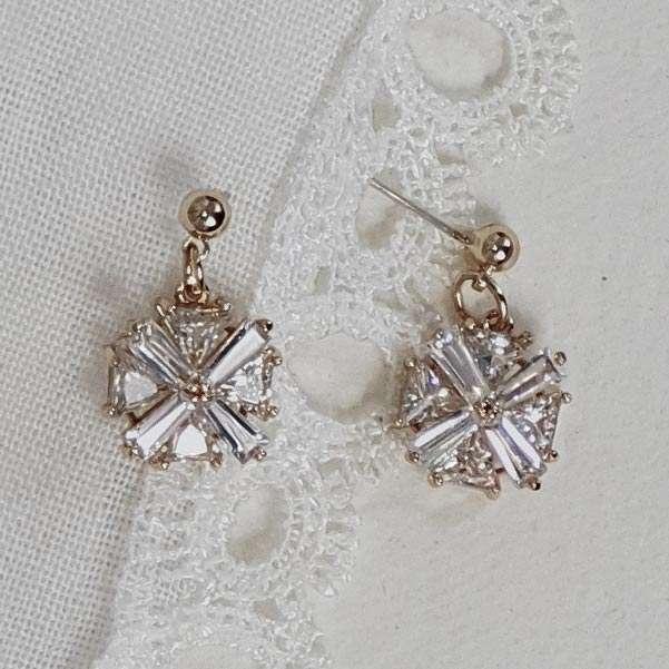 Gold Wedding earrings
