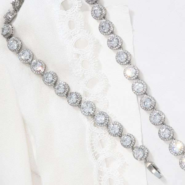 Full crystal necklace