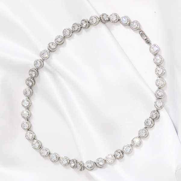 Full design necklace