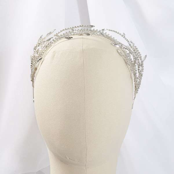 Crystal spray headband