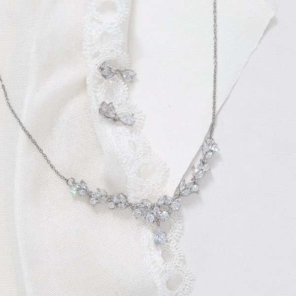 Crystal cubic zircon necklace set
