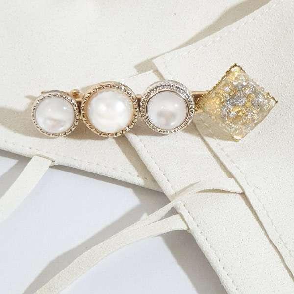 Moonshine pearl hair clip